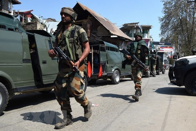 Binh sỹ Ấn Độ, Pakistan giao tranh ở Kashmir