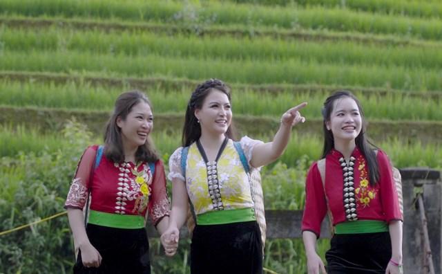 Á quân Sao Mai 2013 Đinh Trang chinh phục người nghe khi hát 'Tình em' với phong cách thính phòng - 1