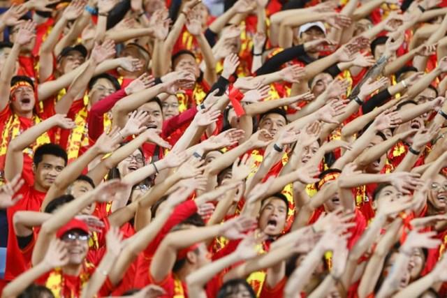 Cổ đông viên Việt 'đốt cháy' khán đài - 1