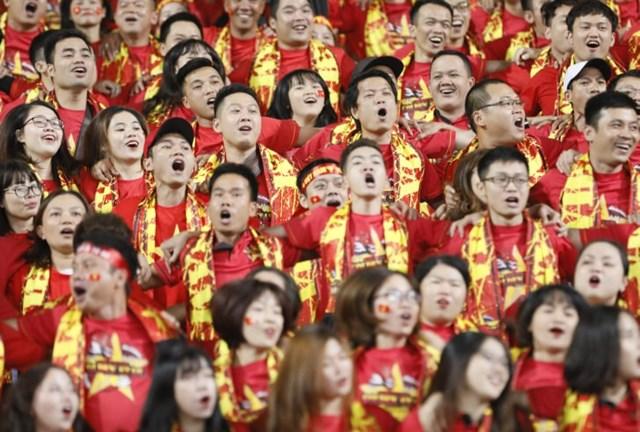 Cổ đông viên Việt 'đốt cháy' khán đài - 7