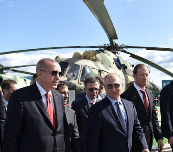 Thổ Nhĩ Kỳ và chiến thuật thương vụ vũ khí với Mỹ và Nga