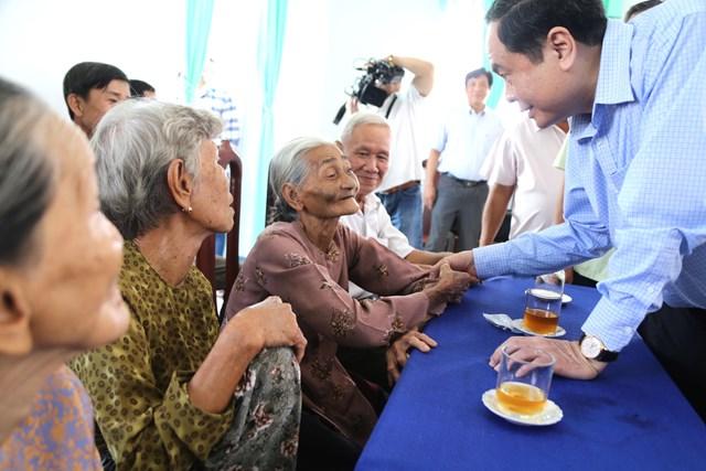 Hậu Giang phải có nhiều hoạt động thiết thực hơn để chăm lo cho hộ nghèo, gia đình chính sách - 1
