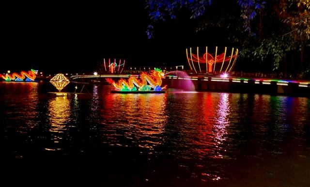 Đêm Hoa đăng Ninh Kiều lung linh sắc màu - 6