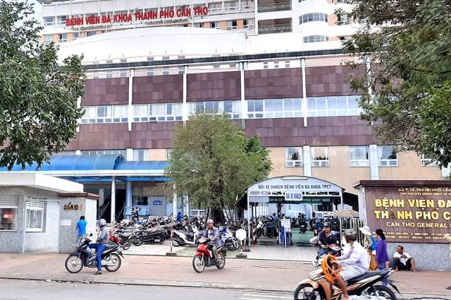 Cần Thơ: Bệnh nhân bị tai nạn giao thông nhảy lầu bệnh viện tự tử