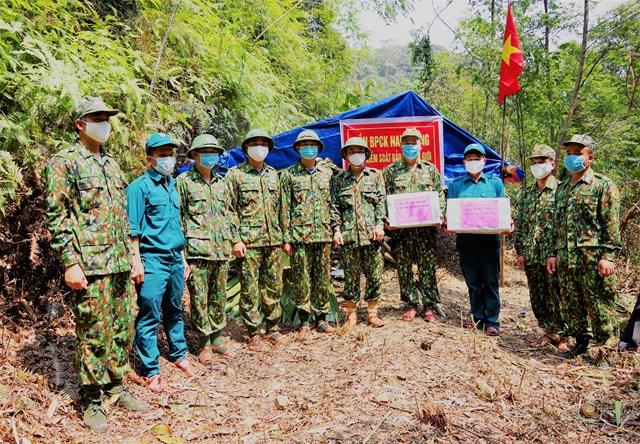 [Ảnh] BĐBP tỉnh Quảng Nam ăn ở, tuần tra biên giới phòng dịch Covid-19 - 4