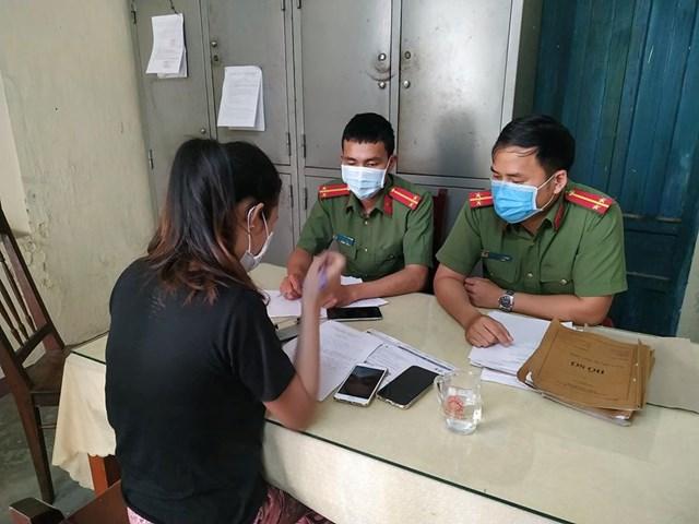 Xử phạt cô gái quảng cáo thuốc kháng sinh Covid-19