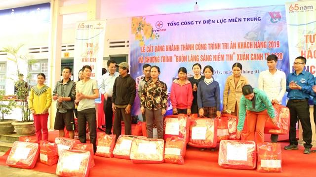 Ngành Điện miền Trung tặng phòng ở cho học sinh miền núi Quảng Nam