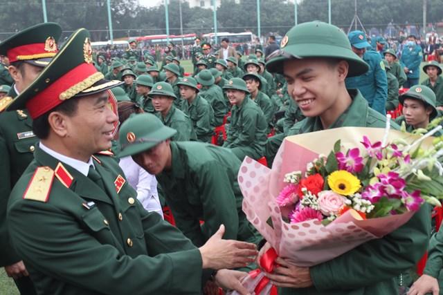 Nghệ An: Hơn 3.100 tân binh lên đường nhập ngũ - 1