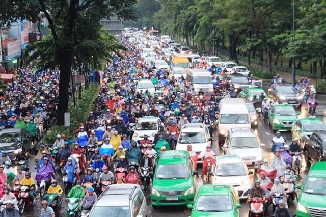 Loay hoay 'giải cứu' sân bay Tân Sơn Nhất