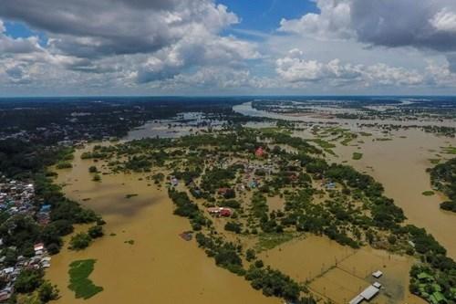 Thái Lan: Mưa lũ, hàng chục nghìn người sơ tán