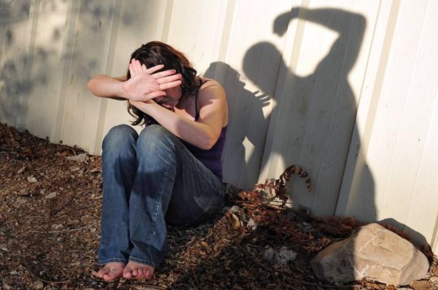 Bạo lực gia đình, vấn đề không hề nhỏ