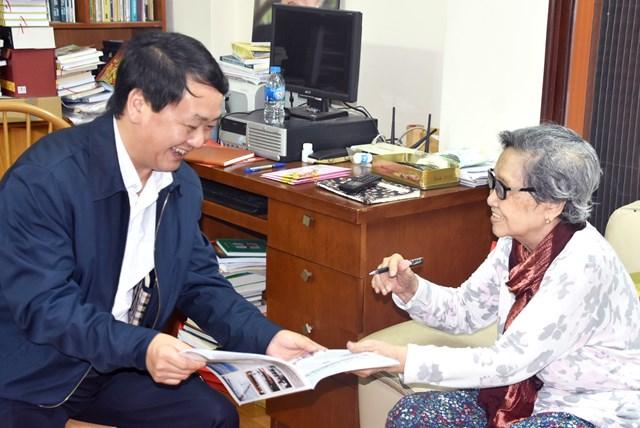 Phó Chủ tịch – Tổng Thư ký Hầu A Lềnh chúc Tết nguyên lãnh đạo Nhà nước, MTTQ Việt Nam - 1