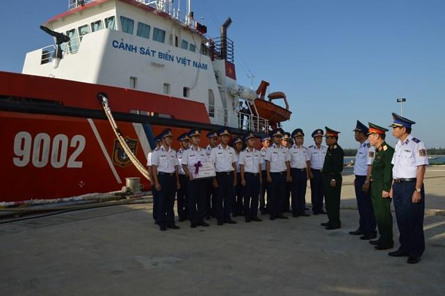 Thứ trưởng Bộ Quốc phòng làm việc tại Bộ Tư lệnh Vùng CSB 2 - 1