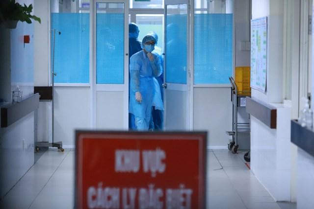 2 bệnh nhân người Anh có kết quả xét nghiệm lần 2 âm tính với SARS-CoV-2