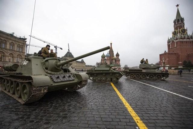 [ẢNH] Nga tổng duyệt cho lễ diễu binh lịch sử trên Quảng trường Đỏ - 1