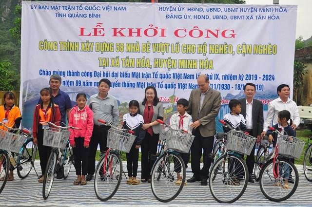 Quảng Bình: Khởi công xây dựng 58 nhà bè vượt lũ ở xã Tân Hóa