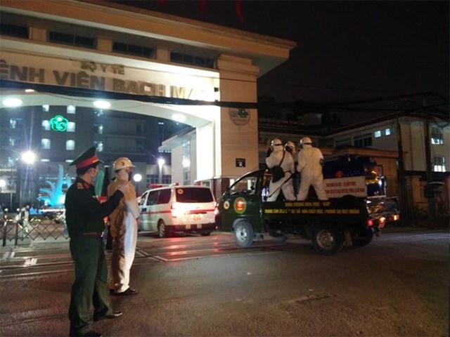 Tiêu độc toàn bộ không gian Bệnh viện Bạch Mai