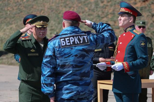 'Bobal' lộ mặt, Ukraine rúng động