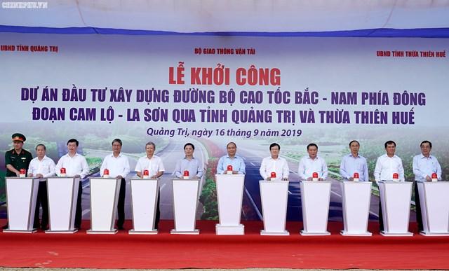 Thủ tướng phát lệnh khởi công tuyến cao tốc Cam Lộ - La Sơn