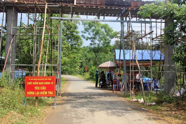 Quảng Nam: Điều tra người đàn ông dùng mũ bảo hiểm tấn công cán bộ chốt kiểm dịch