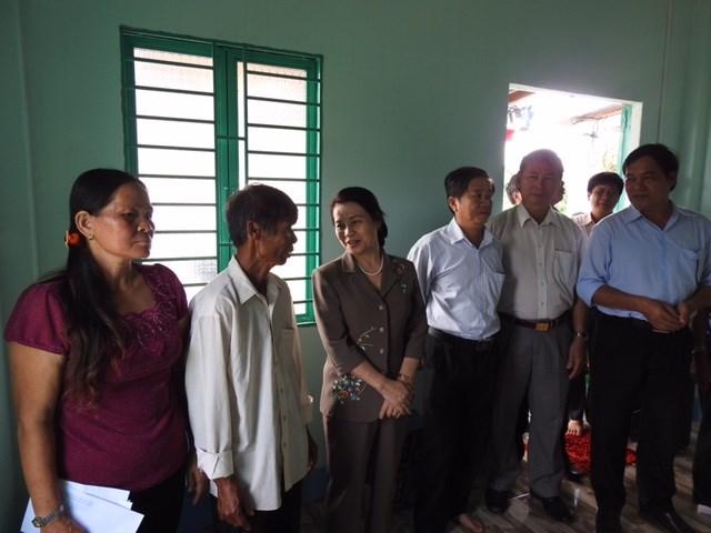 Cụm thi đua Miền Đông Nam bộ trao nhà Đại đoàn kết tại Bình Thuận - 1