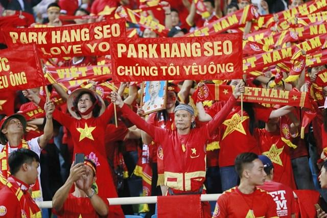 Cổ đông viên Việt 'đốt cháy' khán đài - 5