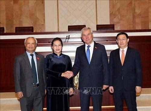 Chủ tịch Quốc hội hội đàm với lãnh đạo Thượng viện, Hạ viện Belarus - 2