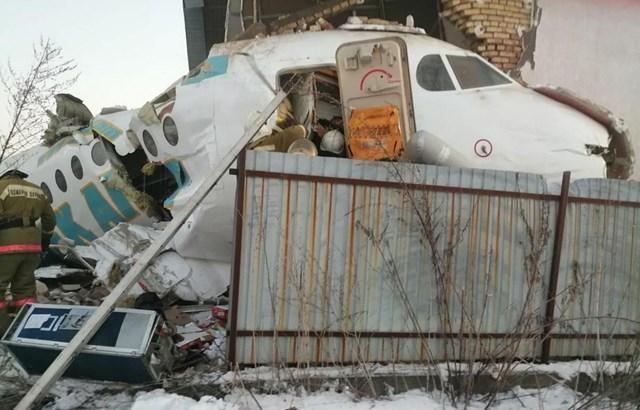 Máy bay chở 100 người rơi ở Kazakhstan ngay sau khi cất cánh