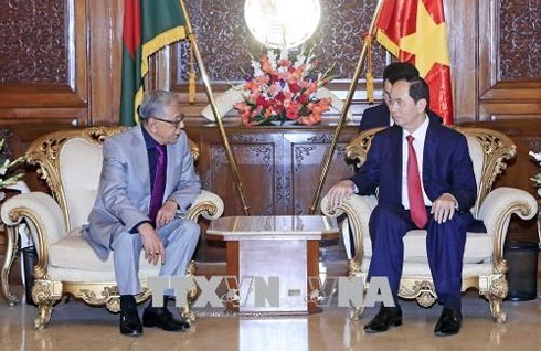 Chủ tịch nước Trần Đại Quang và Phu nhân thăm cấp Nhà nước đến Cộng hòa Nhân dân Bangladesh