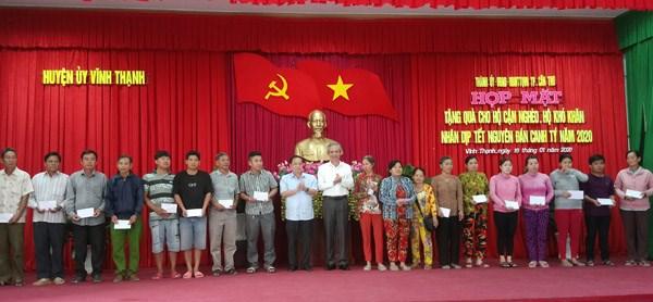 Cần Thơ: 280 phần quà Tết cho người nghèo huyện Vĩnh Thạnh
