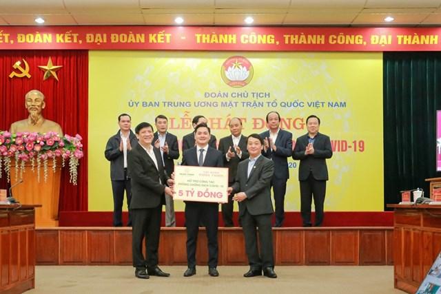 Hưng Thịnh tài trợ 20 tỷ đồng cho y, bác sĩ chống dịch Covid-19