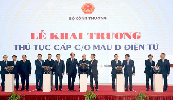 Thủ tướng nhấn mạnh 3 mục tiêu, lưu ý 5 vấn đề với ngành công thương - 2