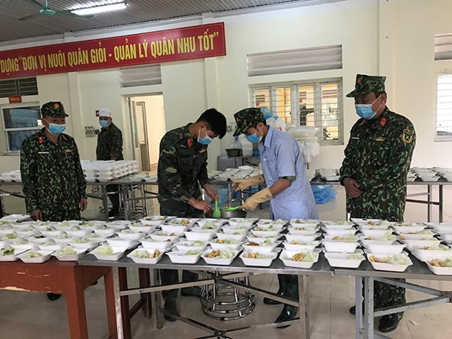 [Ảnh] Quân đội trên tuyến đầu phòng chống dịch bệnh - 1