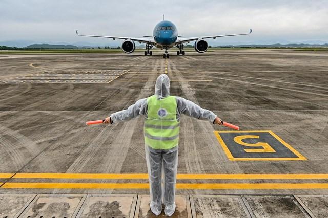 Sân bay Vân Đồn đón thêm 56 người Việt trở về từ Ukraine