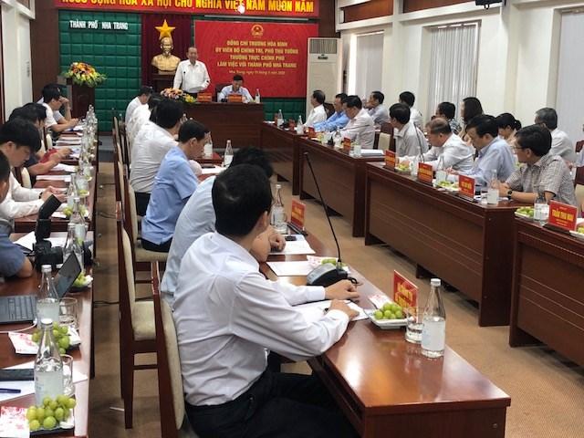 Phó Thủ tướng Thường trực Trương Hòa Bình kiểm tra công tác cải cách hành chính tại Khánh Hòa