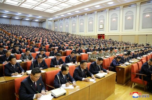 Ông Kim Jong-un triệu họp về an ninh quốc phòng giữa lúc căng thẳng với Mỹ - 9