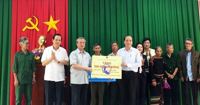 Thường trực Ban Bí thư Trần Quốc Vượng làm việc tại tỉnh Đắk Lắk - 2