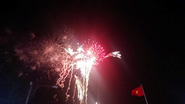 TP Buôn Ma Thuột bắn pháo hoa chào xuân Canh Tý 2020 - 1