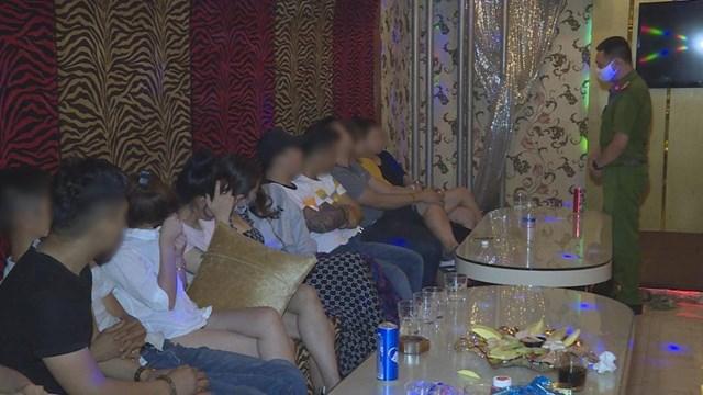 Đắk Lắk: 43 thanh niên 'mở tiệc ma túy' ở quán karaoke
