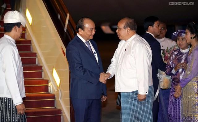 Thủ tướng đến Nay Pyi Taw, bắt đầu thăm chính thức Myanmar - 1