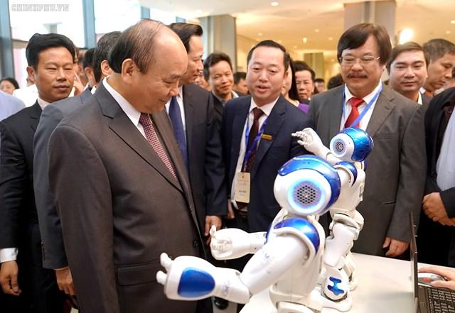 Thủ tướng chủ trì Diễn đàn quốc gia 'Nâng tầm kỹ năng lao động Việt Nam' - 1