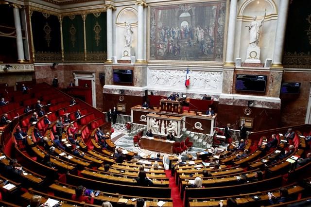 Pháp thông qua luật cấm phát ngôn thù địch trên mạng