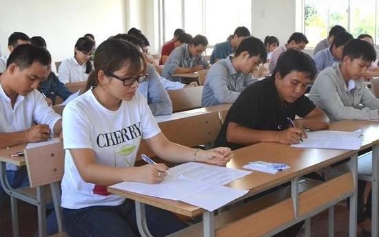 Quảng Ngãi: Sai phạm trong thi tuyển giáo viên, lãnh đạo huyện bị khiển trách