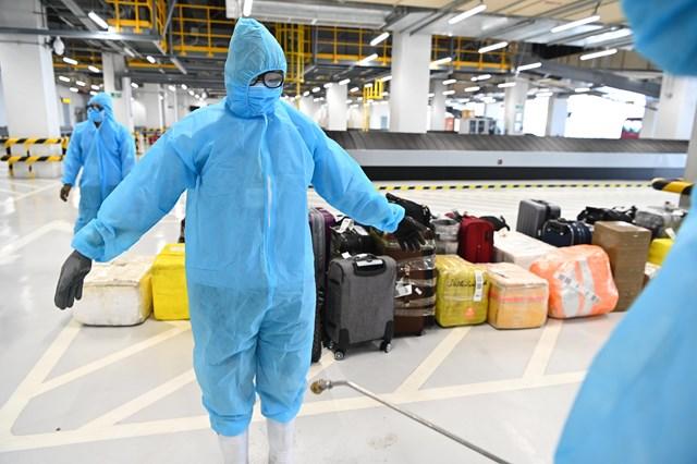 Đón chuyến bay từ vùng dịch: Sân bay Vân Đồn áp dụng quy trình mới - 3