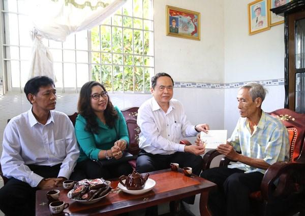 Chủ tịch Trần Thanh Mẫn thăm, tặng quà Tết gia đình chính sách, hộ nghèo tại Sóc Trăng - 3
