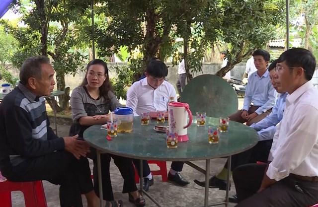 Mặt trận Quảng Bình thăm các gia đình có thân nhân tử nạn ở Anh