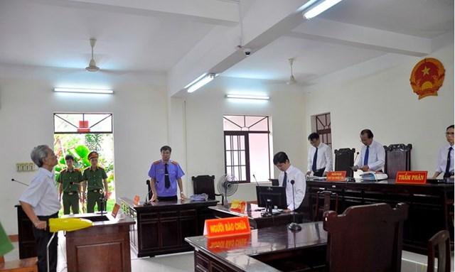 Tòa Tối cao rút hồ sơ vụ Nguyễn Khắc Thủy dâm ô trẻ em