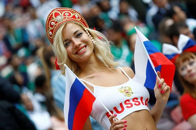 Những cô gái Nga