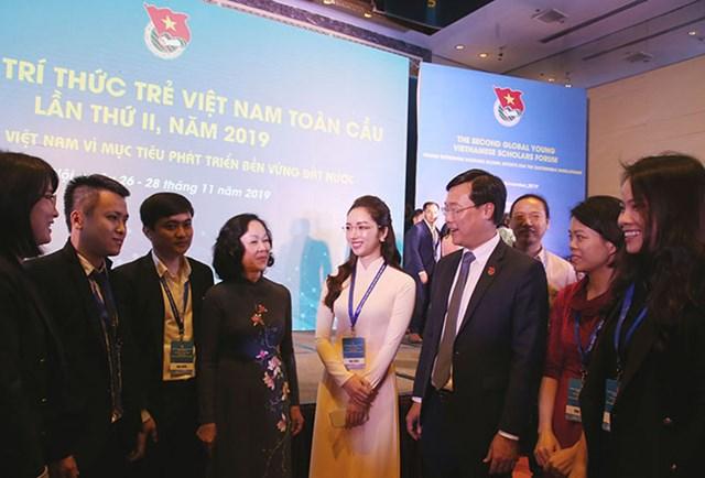 Các trí thức trẻ luôn có Việt Nam trong trái tim mình - 1