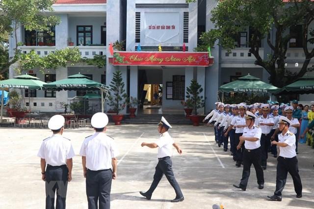 Linh thiêng lễ chào cờ sáng mùng 1 Tết tại quần đảo Trường Sa - 3